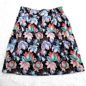 Buttons floral skirt with pockets